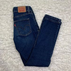 Levi's classic mid rise skinny jeans size 4